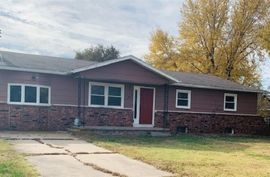 307 E 8TH ST Halstead, KS 67056,