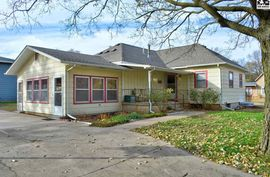 401 S Schmidt Ave Moundridge, KS 67107,