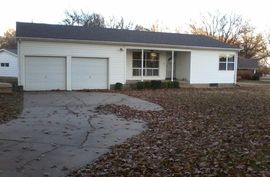 702 N West St Buhler, KS 67522,