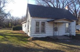 607 W PARALLEL ST Conway Springs, KS 67031,