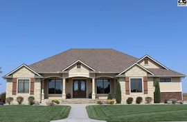 720 Wheatridge Ct Pretty Prairie, KS 67570,