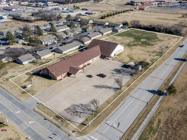 Photo of 715 N WOODLAWN ST Wellington, KS 67152