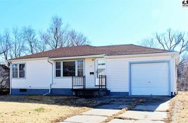 215 W 25th Ave Hutchinson, KS 67502,
