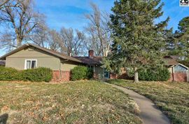 124 N 3rd St Sterling, KS 67579,