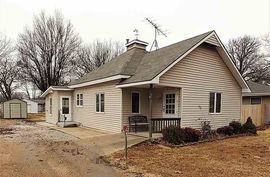 417 N Illinois St Oxford, KS 67119,