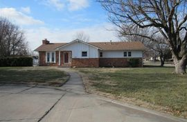 468 Liberty Dr McPherson, KS 67460,