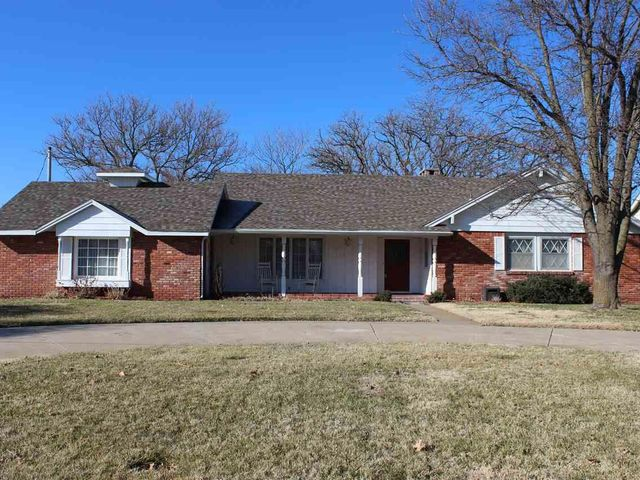 Photo of 3003 N Monroe St Hutchinson, KS 67502