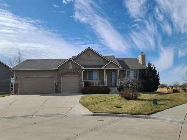 Photo of 316 SPRINGLAKE CT Newton, KS 67114