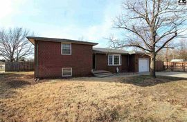 523 S Elm St South Hutchinson, KS 67505,