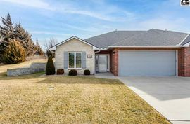 2906 Sand Hills Ct Hutchinson, KS 67502,