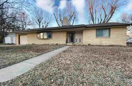 304 W Poplar Ave Arkansas City, KS 67005,