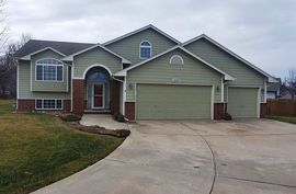 1223 TRINITY CT Newton, KS 67114,