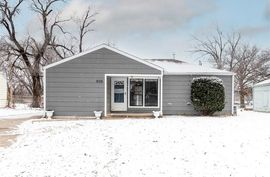 906 N Lincoln St Belle Plaine, KS 67013,
