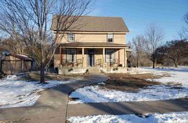 424 N Schmidt Ave Moundridge, KS 67107,