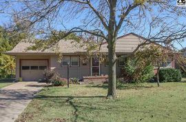 Photo of 552 Terrace DR Pratt, KS 67124