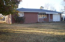 Photo of 215 S Orchard St Arlington, KS 67514